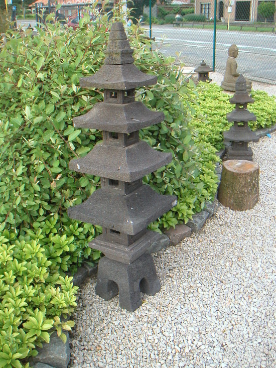 Deco jardin d 39 origine orientale decoration orientale pour for Decoration en pierre pour jardin